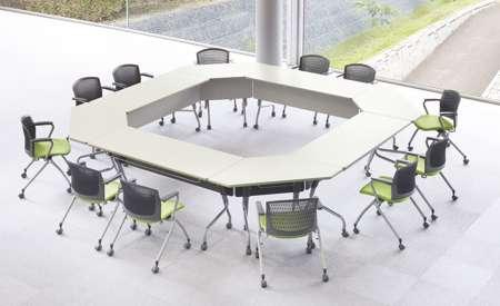 会議用テーブルのスタックテーブル