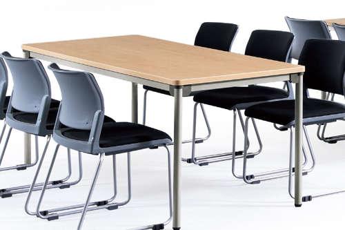 会議用テーブルの幅で何人が座れるか