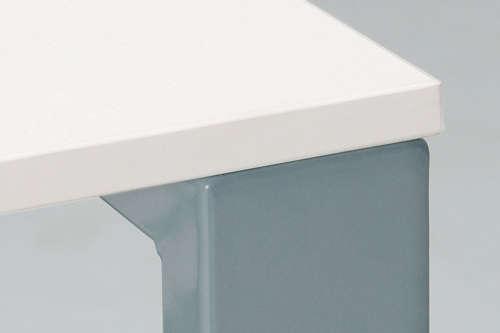 会議用テーブルの脚の形状